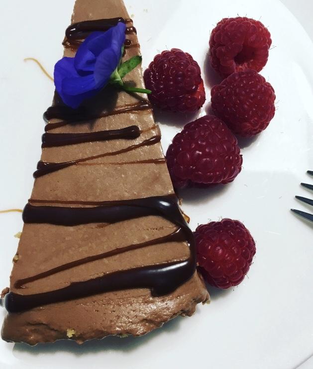 Suklaamoussekakku – pöytään ja vuoteeseen
